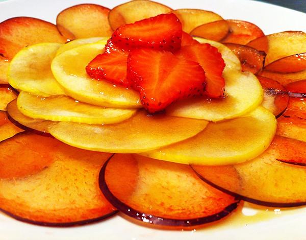 Carpaccio de frutas de temporada
